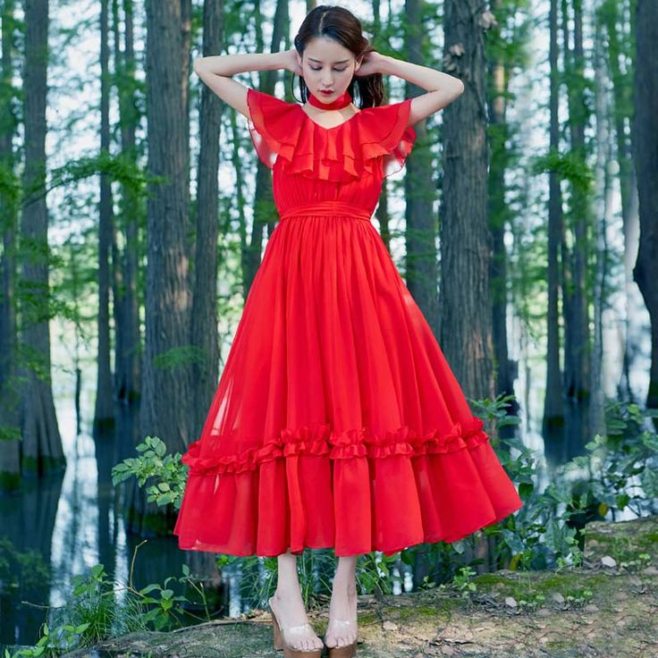 Red dress elegant meaning