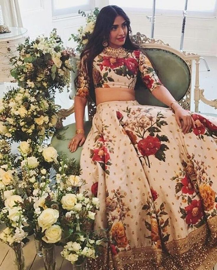 Sonam Kapoor is Like The Perfect Modern-day Bride in This Sabyasachi Ensemble - News18