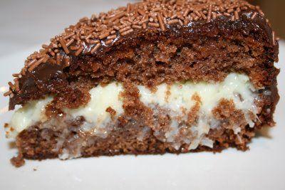 Saiba como fazer um bolo de banana delicioso com esta receita simples.