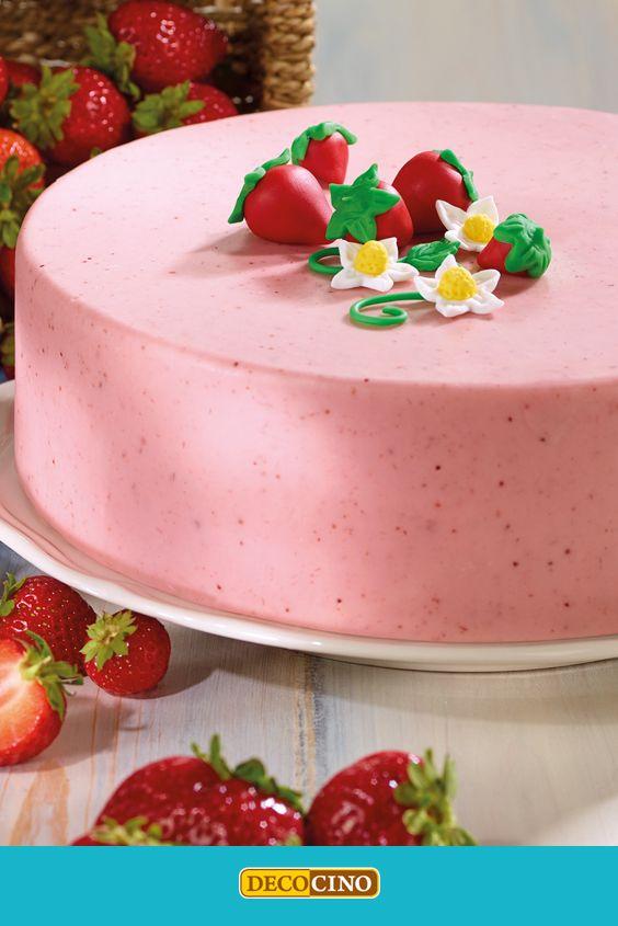Erdbeer-Zeit ist Kuchen-Zeit. Wie wäre es zur Abwechslung mal mit Erdbeer-Rollfondant für die Deko? Das Rezept gibt´s auf der Webseite www.decocino.com