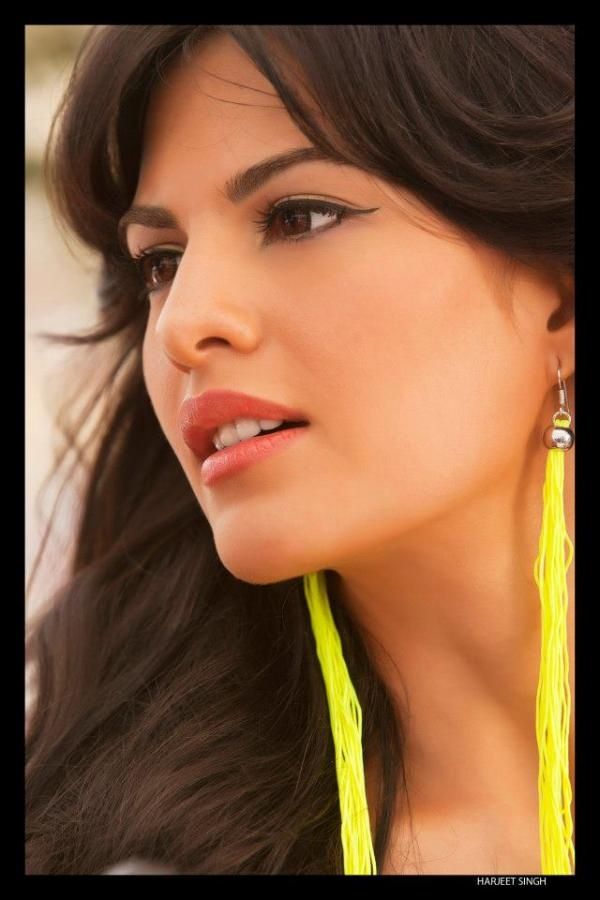 Jacqueline Fernandez beautiful close photo.
