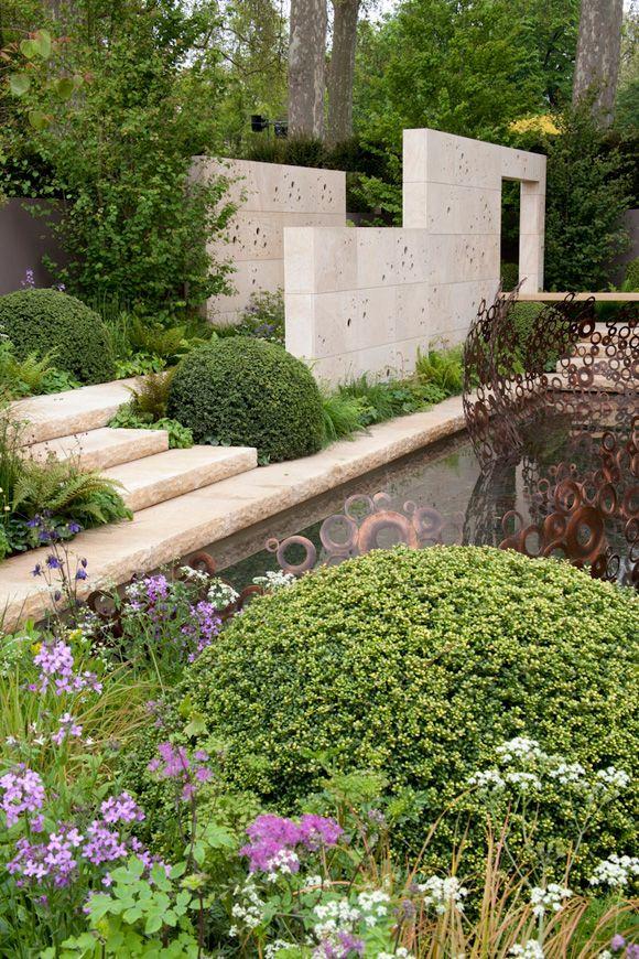 Andy-Sturgeon Chelsea Flower Show  concrete formwork