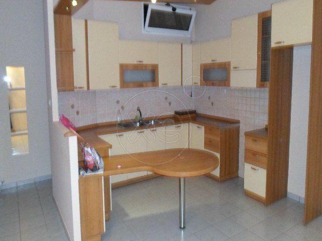 ΠΕΡΙΣΤΕΡΙ διαμέρισμα 74 τ.μ., ισόγειο, 2 υ/δ, κατασκευή '74, μπάνιο, κεντρική θέρμανση, κλιματισμός, πόρτα ασφαλείας, ανακαινισμένο, υπερυψώμενο διαμέρισμα, πλήρως ανακαινισμένο το 2008, πλησιον αγορας,συγκοινωνιων,μετρο , τιμή 40.000€ (3092). ΑΝΕΛΙΞΗ-ΚΑΤΟΙΚΙΑ