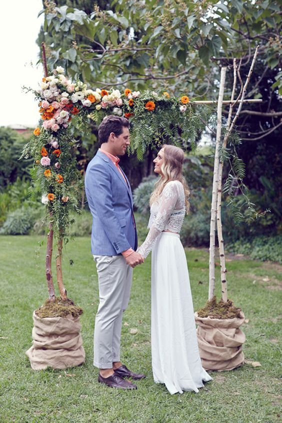 DIY floral fall wedding arbour / http://www.himisspuff.com/fall-wedding-arch-and-altar-ideas/