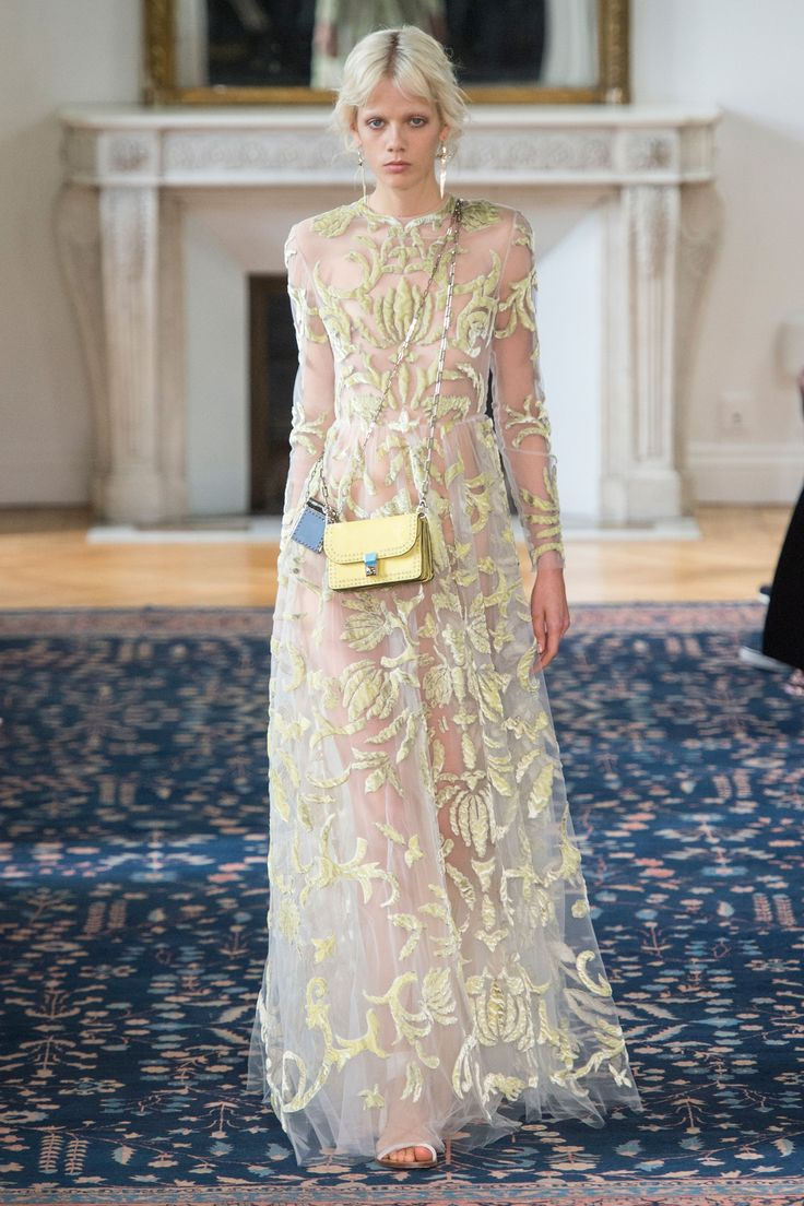 Valentino Spring/Summer 2017 Ready To Wear Collection