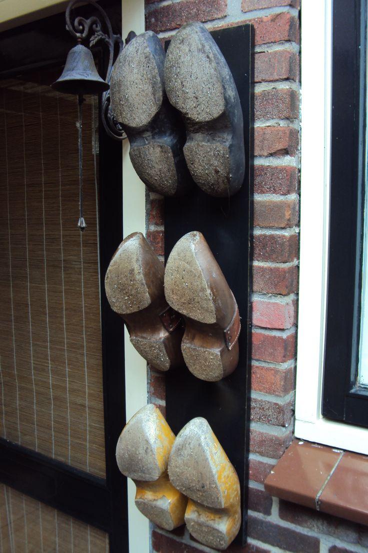Klompenrek van pallethout .