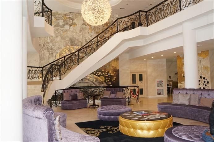 OopsnewsHotels - Zvyozdny Hotel. Zvyozdny Hotel is set in Sochi and is close to nearby landmarks, including the Sochi History Museum and The Riviera Park. It is moments from Central Market Sochi.   Zvyozdny Hotel offers cosy rooms, furnished to suit the needs of any guest.
