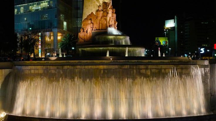 Fuente de Petróleos D.F. México. Fountain spectacular monumental waterfall
