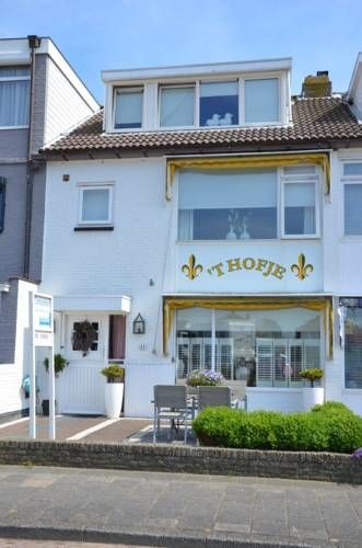 t hofje Noordwijk aan Zee Featuring free WiFi throughout the property, t hofje is located in Noordwijk aan Zee, 400 metres from Lighthouse Noordwijk. Rooms come with a TV. Some rooms include a seating area where you can relax.