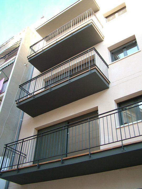 Ideas de #Balcon, Exterior, estilo #Tradicional color  #Beige,  #Gris, diseñado por MR-ARQUITECTURA TECNICA  #CajonDeIdeas