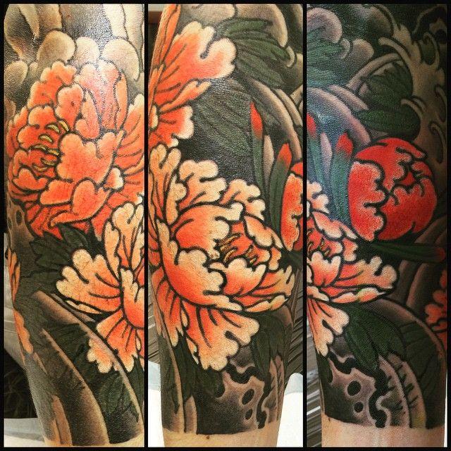 延長 done #botan #tattoo #irezumi #peony #牡丹 #島根の県花 #刺青 #酒辞めたい。。 #えーことならん #おっさんにもかたがある #ポピポピ  (Gasen Tattoo  雅泉)