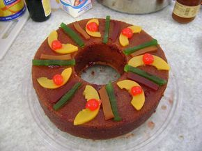 Rosca de reyes tradición mexicana. Ver la receta http://www.mis-recetas.org/recetas/show/4782-rosca-de-reyes-brill