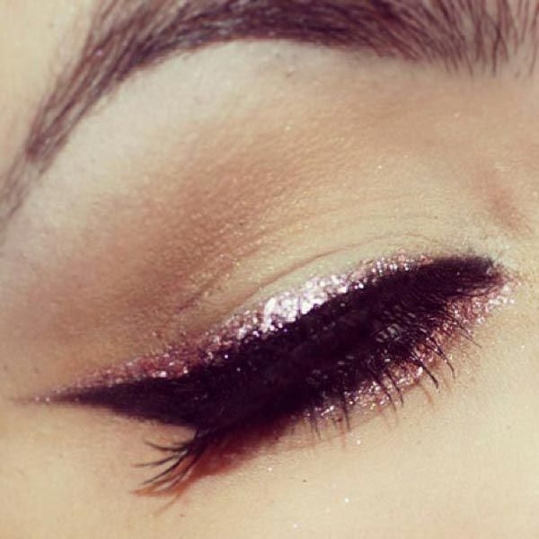 This glitter cat eye would be incredible for a night out! #eyeliner #makeup #beauty #sparkle