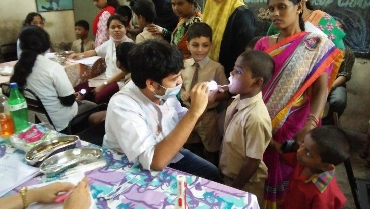 Free Dental Checkup and Awareness Camp organized by Aashraiy NGO for Poor Children .  Their parents can't affords Call us: 9899890157, visit us – www.aashraiy.org #ngoindia #delhingo #dentaltreatment #healthcheckup