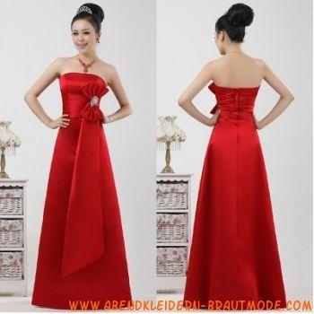 Rote elegante Abendmode aus Satin