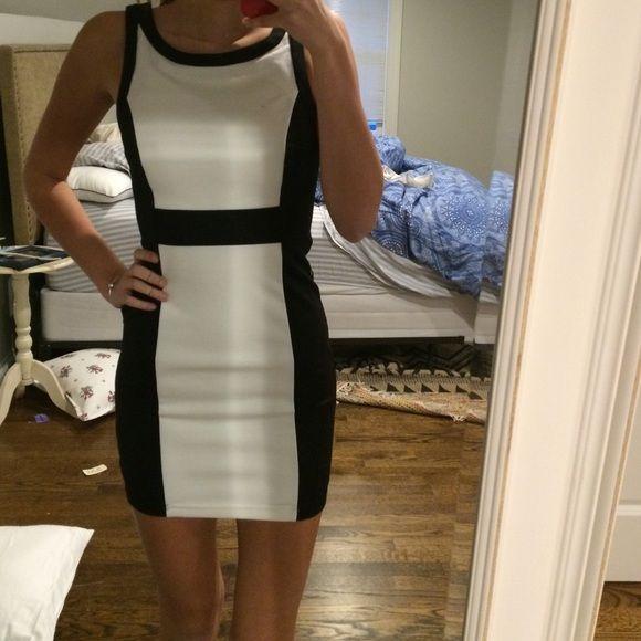 Black and white bodycon dress Never worn Forever 21 Dresses Mini