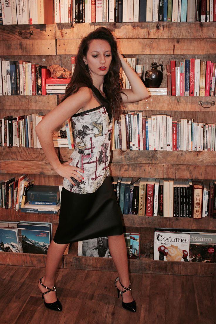 """Robe de cocktail en patchwork de coton imprimé """"couture"""" et jupe en simili cuir noir. Modèle : L'Extravertie  Création Marine Guillemette"""