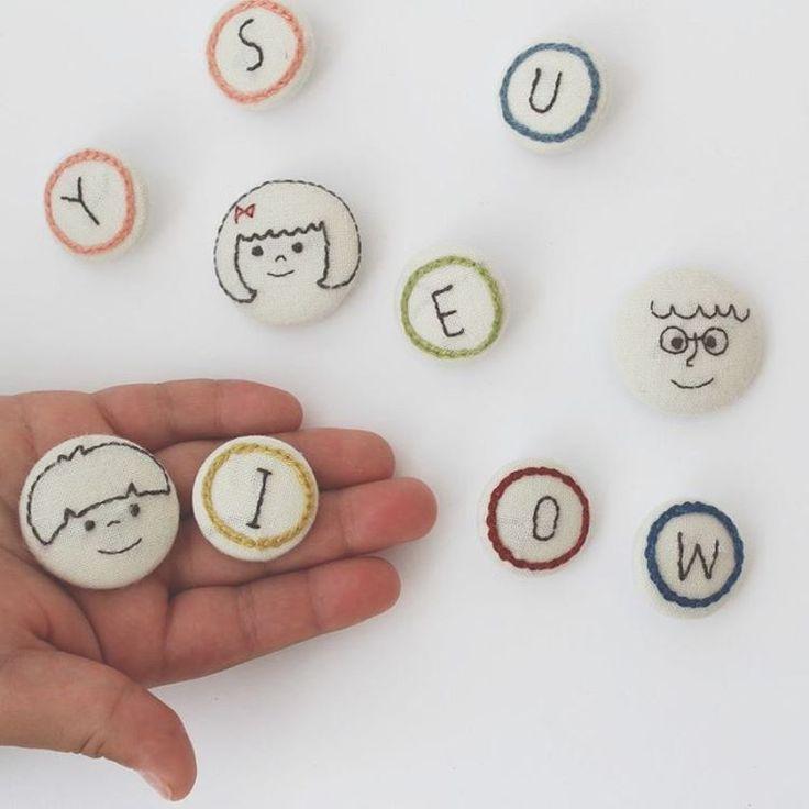 イベントで数件オーダーをいただいたくるみボタン。 イベント続きでやっと 落ち着いたので 今晩あたりから製作にとりかかります。 そして、minneの販売にむけても… #手仕事 #暮らし #ハンドメイド #くるみぼたん #刺繍 #nukumori #イニシャル #似顔絵