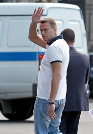 Russian blogger and activist Aleksei Navalny entering the Moscow 'investigative comittee' last week