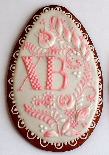 lovely easter cookies with beautiful details