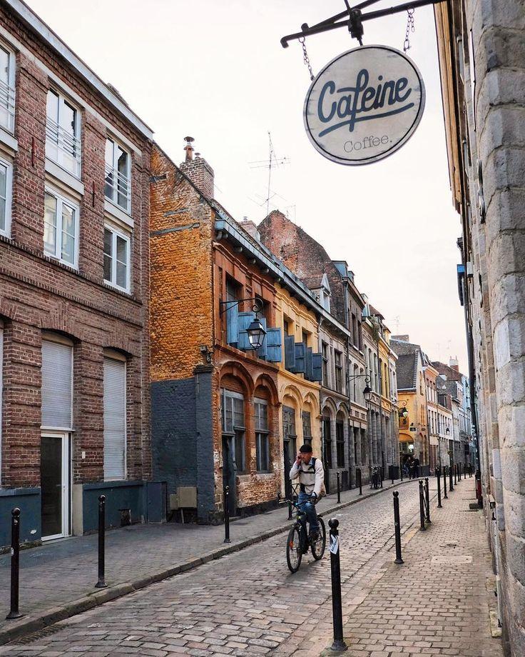 The charming little streets of Lille ... 😍  #citybestpics#cityview#citybreak#cityscapes#city_explore#mysupervacations#heavenlyplanet#theprettycities#fotografpark#photooftheday#hello_worldpics#europe_vacations#iwalkedthisstreet#picoftheday#guardiancities#cettesemainesurinstagram#postcardsfromtheworld#artofvisuals#streetstyle#streetphotographer#wanderlust#cntraveler#prettycities#ig_sharepoint#special_shots#forbestravelguide#master_shots#tasteintravel#instagoodmyphoto#bestplacetogo