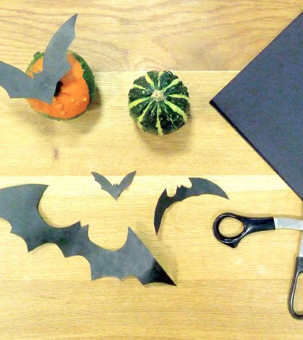 Bats, Handmade Decor Ideas, #Halloween, Crafting, #Free #Printable - http://leaffdesign.blogspot.co.uk/2015/10/halloween-diy-creative-living.html. By Leaff Design, Worcester UK.