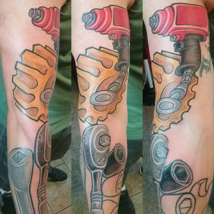 "24 Likes, 1 Comments - Laurent Lajeunesse Tattoo Art (@laurent_lajeunesse) on Instagram: ""Mechanician arm tattoo . Tatouage de bras de mécanicien New school art #newschooltattoo #newschool…"""