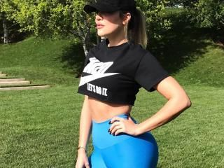 The 6 exercise Khloe Kardashian workout from her PT Gunnar Peterson will get you a toned body and butt just like KK.