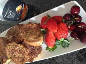 Cinnamon French toast using baguettes.