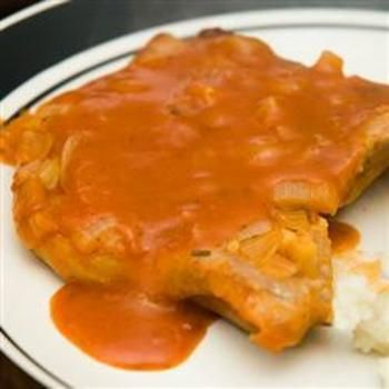 Pork Chops in Red Sauce: Casseroles Dishes, Pork Recipes, Maine Dishes, Cute Ideas, Food And Drinks, Sauces Recipes, Red Sauces, Homemade Tomatoes Soups, Pork Chops