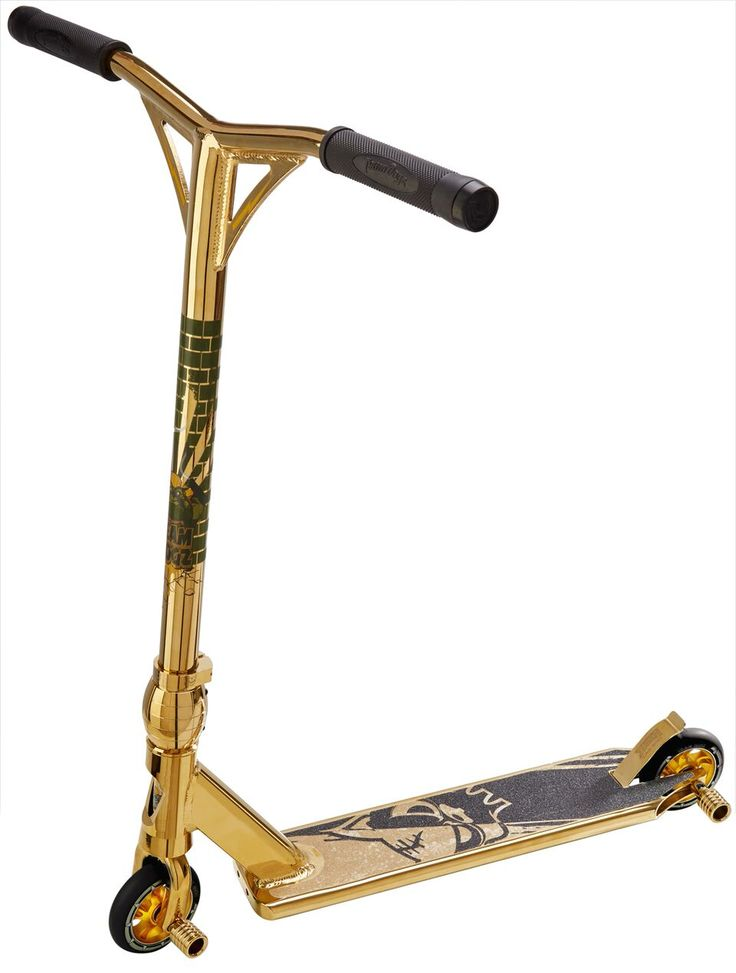 Gold colour chrome scooter by Team Dogz #scooter #scootering #teamdogz #gold #rainbow #chrome #chromo #sic #awesome #skatepark #summer