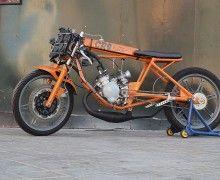 CROhete es un dragster preparado para correr 400m en línea recta. Construcción por Cafe Racer Obsession.