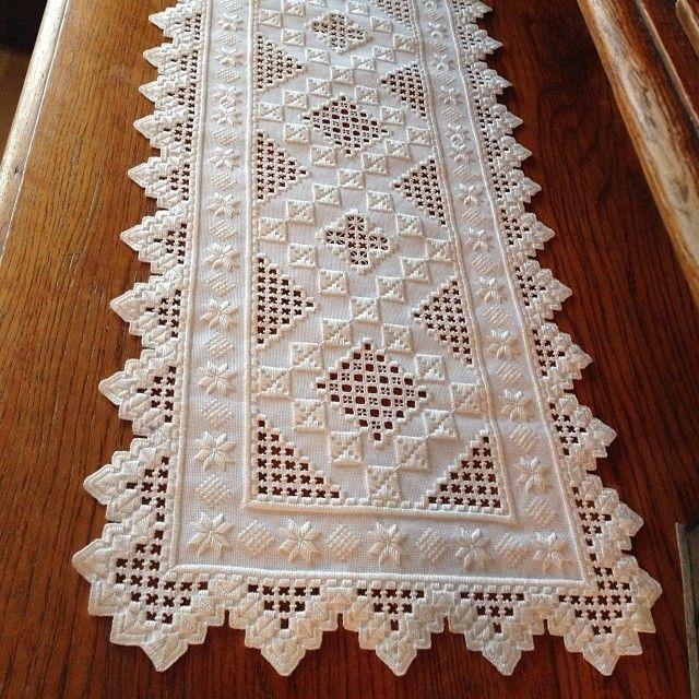 My mum's beautiful hardangersøm #hardanger #hardangersøm #embroidery #hobby #homemade #stitch #sewing
