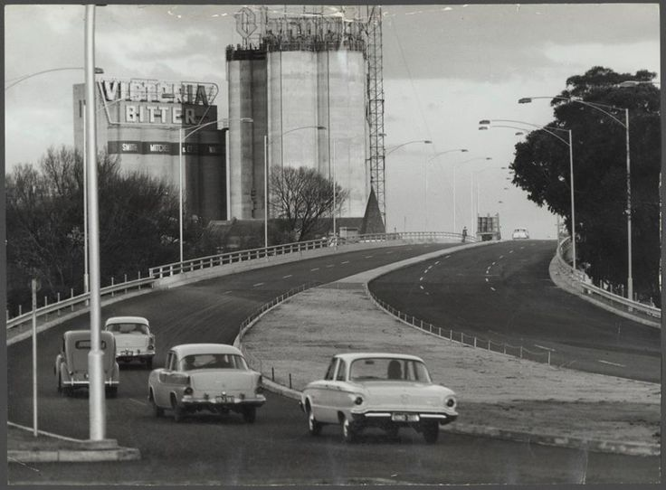 This was the start of the Monash/South Eastern Freeway and this section from Punt Road to Burnley Street opened 1962.