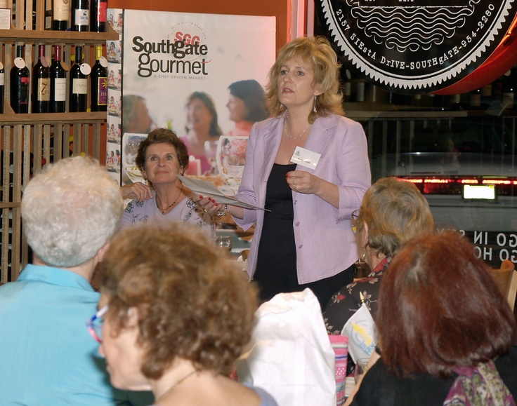Susan Moir, Sarasota Sister Cities director for relations with our twinned partner of Dunfermline, Scotand, gives a report at the January 2006 Sarasota Sister Cities New Members orientation at Southgate Gourmet in Sarasota