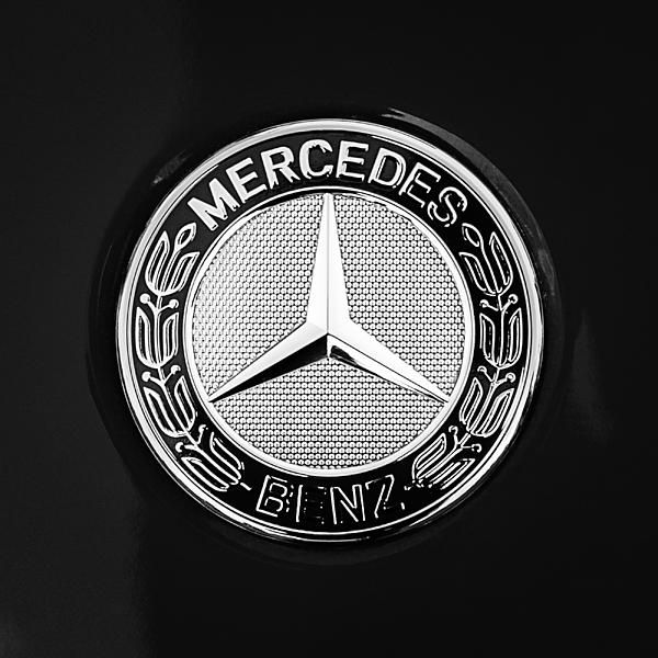 343 best mercedes benz ads posters logos details for Mercedes benz trunk emblem