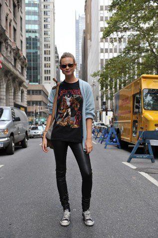 Los liquid leggings no pueden faltar en tu outfit si lo que buscas es darle un giro más rocker
