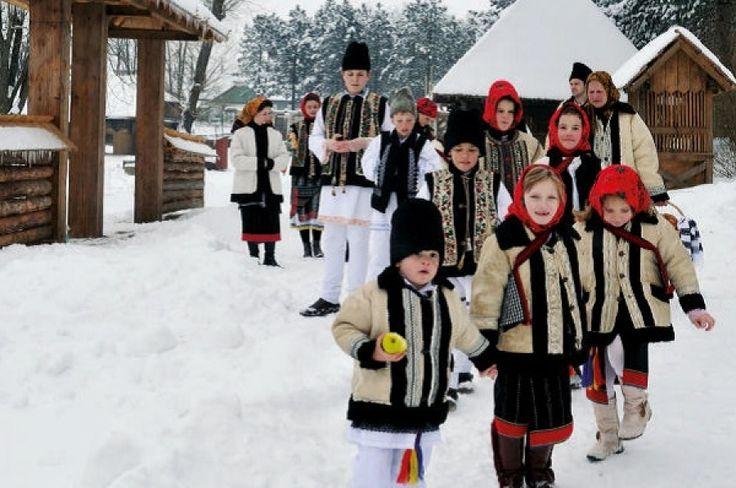 Ajun de Crăciun în Țara Fagilor http://www.antenasatelor.ro/dialoguri-memorabile/7503-ajun-de-craciun-in-%C8%9Bara-fagilor.html