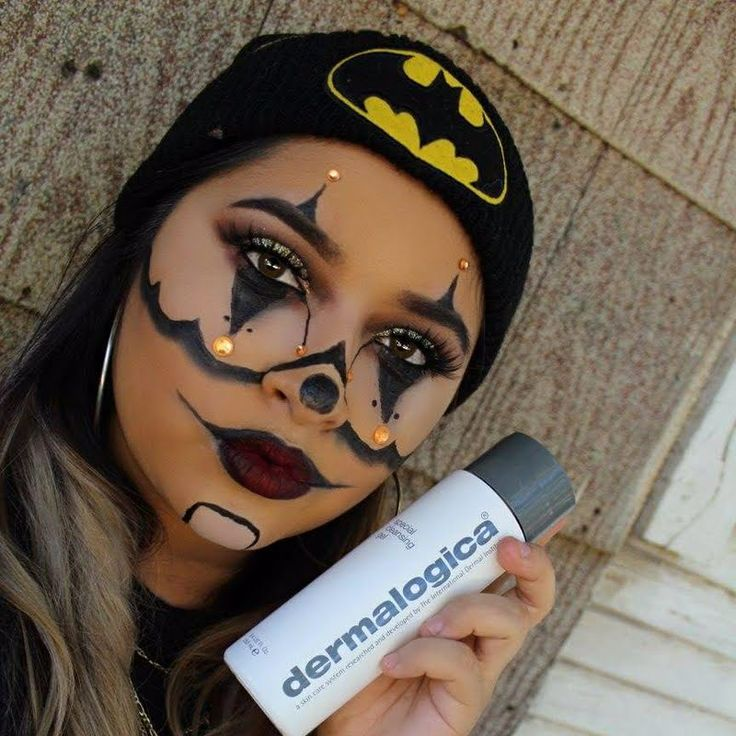 Preen.Me VIP Andrea is ruthlessly charming in her Chola Clown look that she intends to clean up without a trace using her gifted Dermalogica® #PreCleanse Oil-Busting Emulsifyer to the test this Halloween. Achieve ultra clean and healthy skin by clicking through.