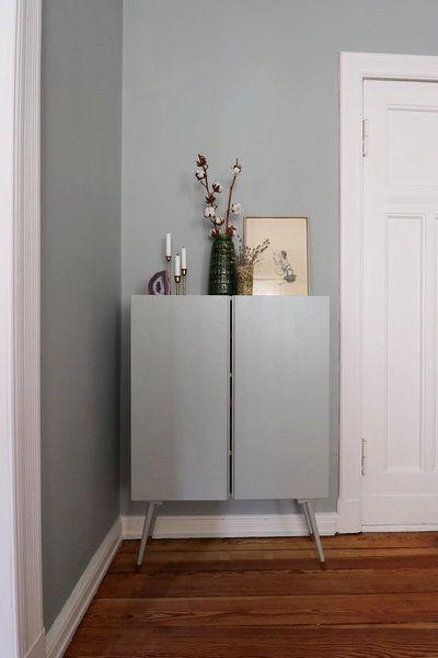 Magischer Stauraum – 10 kreative Ikea-Hacks für mehr Ordnung in deinem Zuhause | SoLebIch.de Foto: Hague Blue #solebich # einrichtung #wohnen #wohnideen #inspiration #dekoration #deko #Interior #interiordecor #Ikea #hack #skandi #schrank #farbe #grün