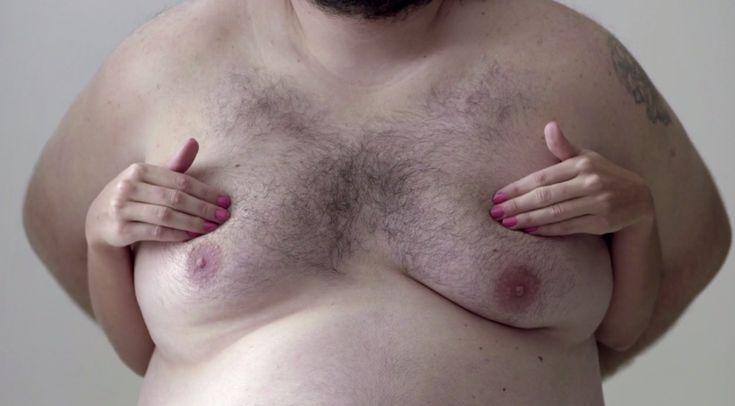 """""""男性の乳房""""でSNSの検閲ポリシーを突破?! 爆発的な話題を呼んだ乳がんセルフチェック啓発動画   AdGang"""