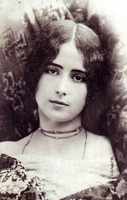 Cléo de Mérode, Victorian era French dancer. She is everything I pictured when writing Gabby's character.
