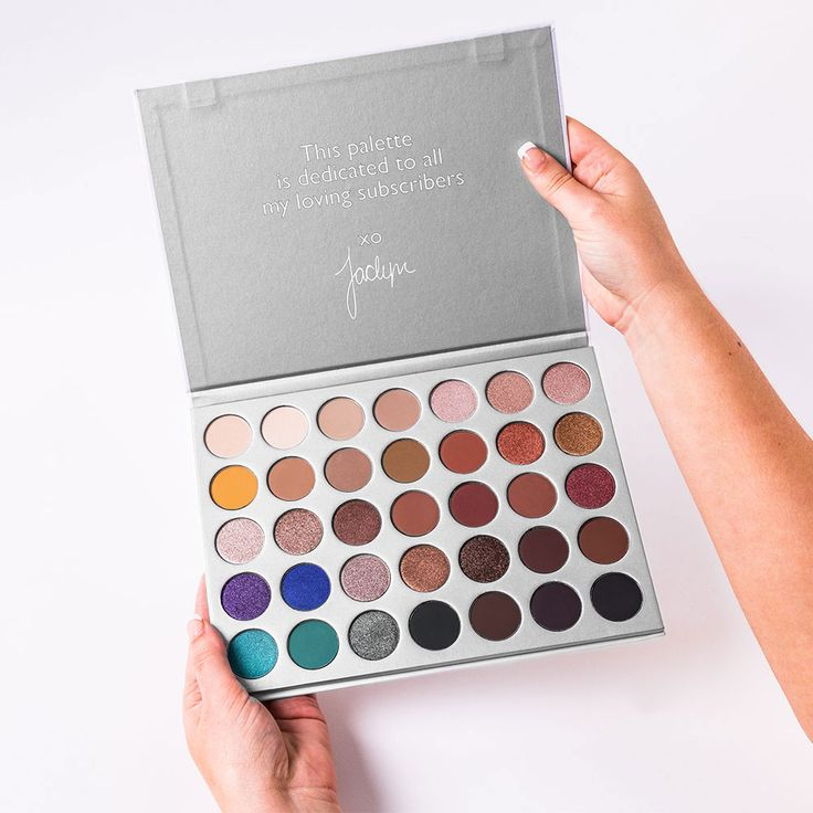 Limited to 1 per customer and excluded from any discount codes.A 35-colour eyeshadow palette collaboration. Designed by beauty YouTuber Jaclyn Hill, the Morphe X Jaclyn Hill Eyeshadow Palette is a lon
