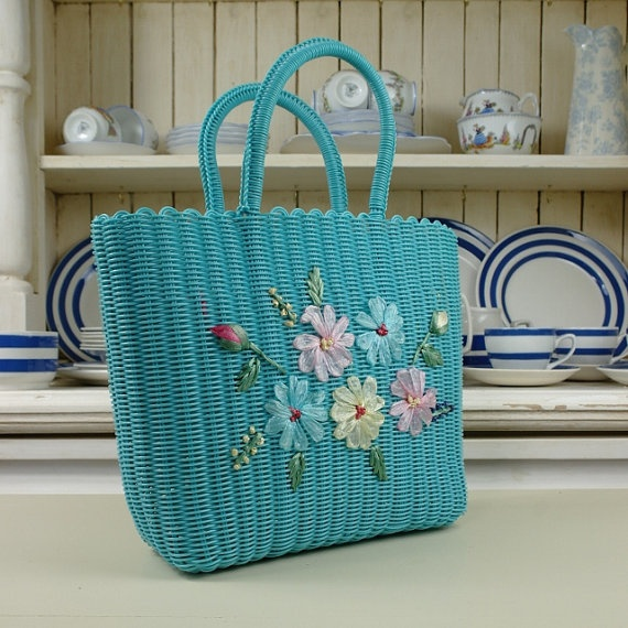 1950's Plastic Basket purse with woven Flowers Detail