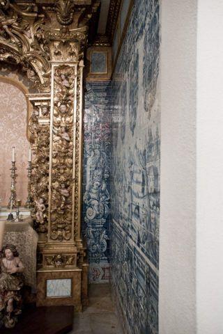 Lisboa | Casa-Museu / House-Museum Medeiros e Almeida | capela / chapel [© Inês Aguiar] #Azulejo #CasaMuseuMedeirosEAlmeida #AzulEBranco #BlueAndWhite #Barroco #Baroque
