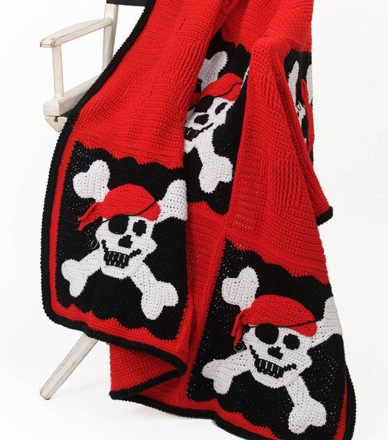 Arrr, Matey! This pirate throw is perfect for Halloween!Crochet Pirates, Crochet Blankets, Crochet Afghans, Throwpir Throw, Crochet Skull, Pirates Throwpir, Awesome Pirates, Crochet Pattern, Adorable Crochet