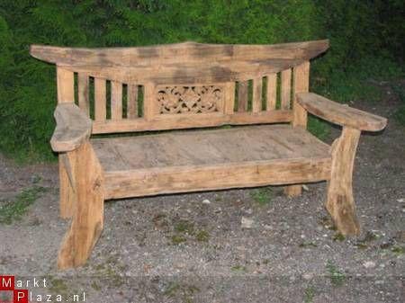 Hierbij een kleine greep uit de meubels en lampen van oud gerecycled teak hout. Er worden dus geen bomen voor gekapt. Vaag even ons overzicht per mail aan.  Zoekt u toch nog iets anders, laat het ons dan even weten, waarschijnlijk kan het toch wel geleverd worden.  Mooie oud houten teak bank (gerecycled hout). Maten: 160-180cm breed. Afhaalprijs: 550,- euro.  Foto 2 en 3 op aanvraag.
