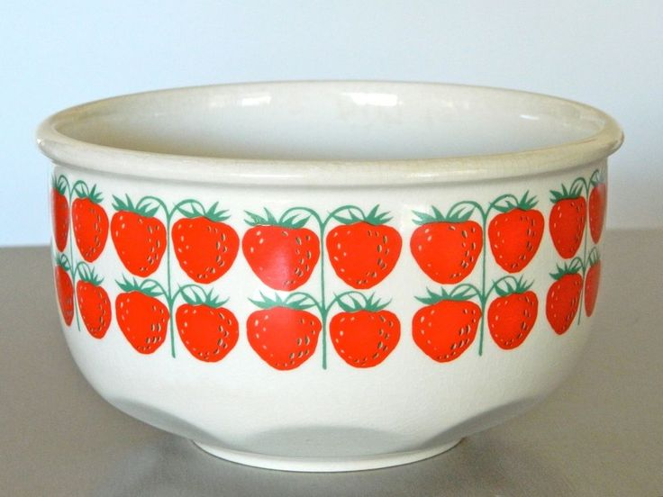 Arabia Finland POMONA MANSIKKA Strawberry Fruit Bowl Retro 60s VINTAGE CERAMIC