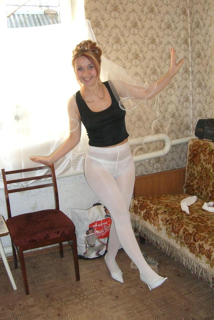 Brides wearing pantyhose