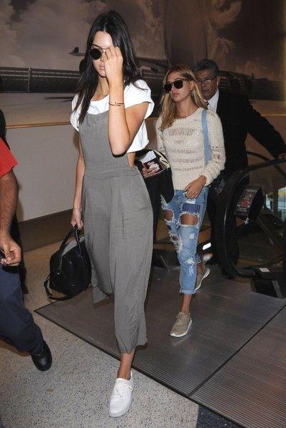 Kendall Jenner & Hailey Baldwin